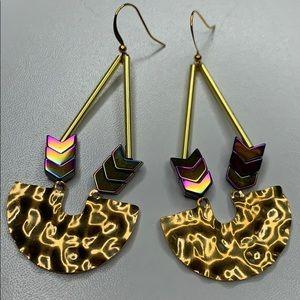Geometric dangle arrow earrings (b11) new!